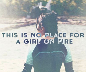 catching fire, katniss, and girl on fire image