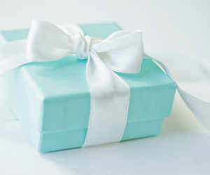 gift, pink, and bow image