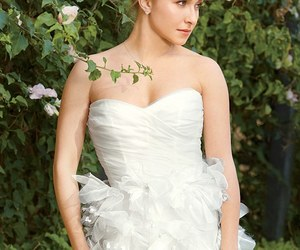 hayden panettiere and wedding dress image