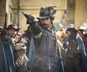 santiago cabrera and the musketeers image