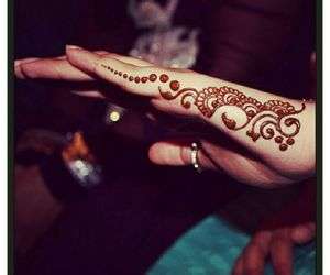 henna and simple image