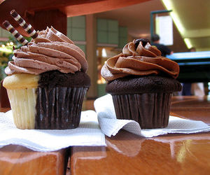 cakes, chocolate, and cupcakes image