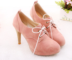 fashion, high heel shoes, and girls image