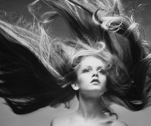 hair, twiggy, and black and white image