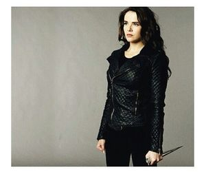 vampire academy and rose hathaway image