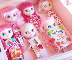 blythe, pink, and have a snack image