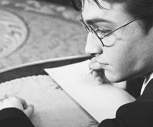 black and white, daniel radcliffe, and harry potter image