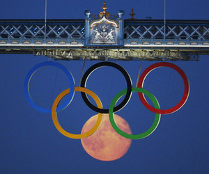 moon, olympics, and olympic rings image