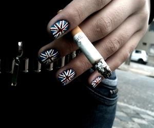 nails and england image