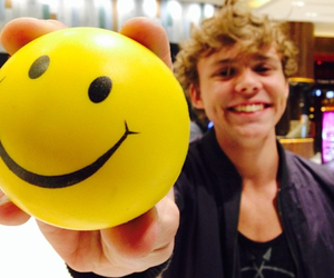5sos, ashton irwin, and smile image