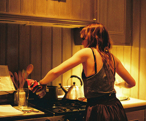 girl and cooking image
