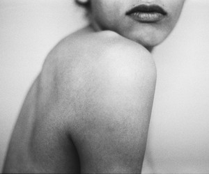 black and white, lips, and girl image