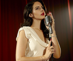 lana del rey and burning desire image