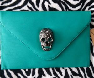 belleza, clutch, and clutch skull image