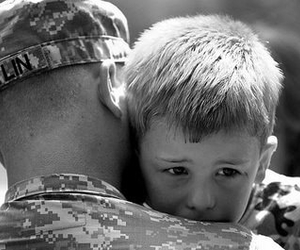 child, dad, and soldier image
