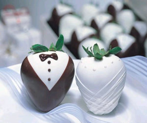 strawberry, wedding, and chocolate image