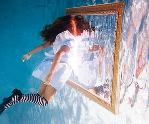 water, alice, and mirror image