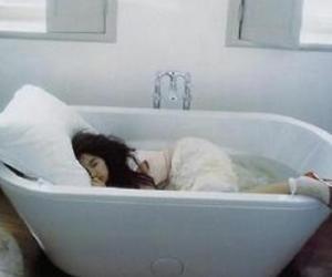 girl, bathtub, and photography image