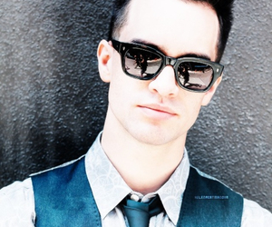 bands, brendon urie, and panic! at the disco image