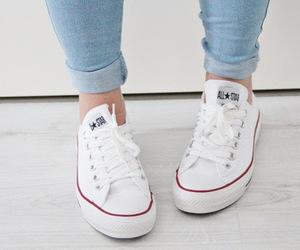 white vans vs white converse