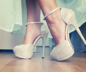 fashon, shoes, and woman image