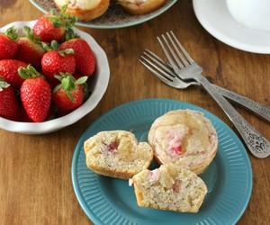 cream cheese, pancakes, and strawberry image