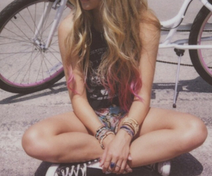 girl, grunge, and ombre image