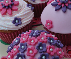 cupcake, delicious, and flowered image