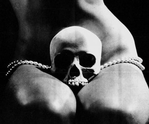 skull, black and white, and body image