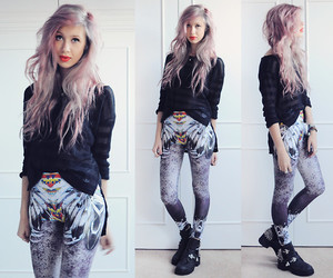 fashion and leggings image