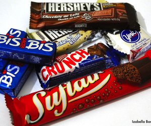 chocolate, bis, and crunch image