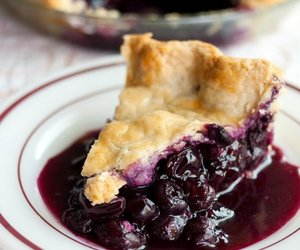 blueberry and pie image