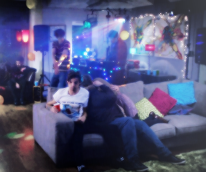 louis tomlinson and midnight memories image