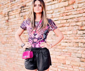 animal print, clutch, and it girl image