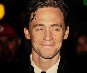 tom hiddleston, smile, and Tom image