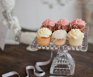 cupcake, food, and decor image