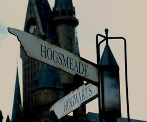 harry potter, hogwarts, and hogsmeade image