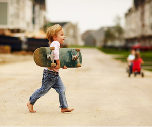 little boy and skate image