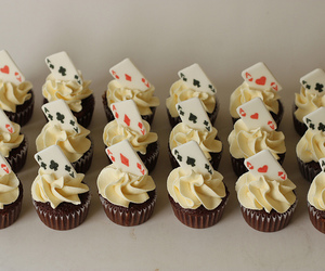 alice in wonderland and cupcakes image