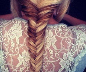 braid, hair, and shirt image