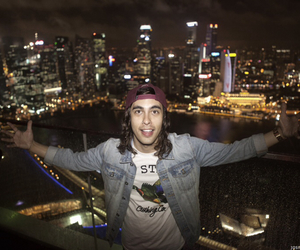 pierce the veil and vic fuentes image