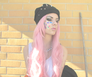 pale, pale girl, and scene girl image