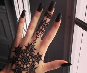 black, hand, and henna image