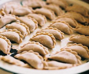 food, empanadas, and bake image
