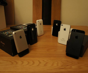iphone3gs, iphone4s, and iphone3 image