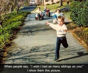 funny, siblings, and lol image