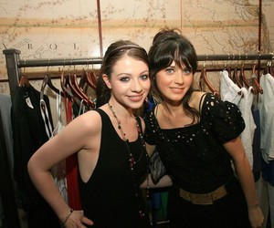 michelle trachtenberg and zooey deschanel image