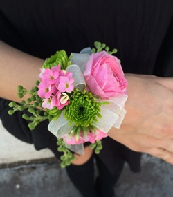flowers, Prom, and ranunculus image