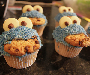 cookiemonster, cupcake*, and seesame street image