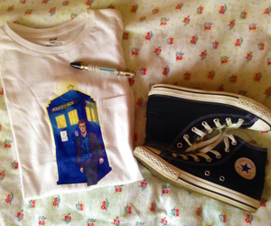 converse, doctor who, and shirt image